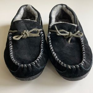 L.L. Bean Shoes - LL Bean Wicked Good Moccasin Slippers Sz 11 Black